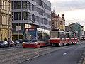Smíchovské nádraží, Škoda 15T, potkávačka.jpg