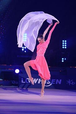 Son Yeon-Jae at LG WHISEN Rhythmic All Stars 2011 (107).jpg