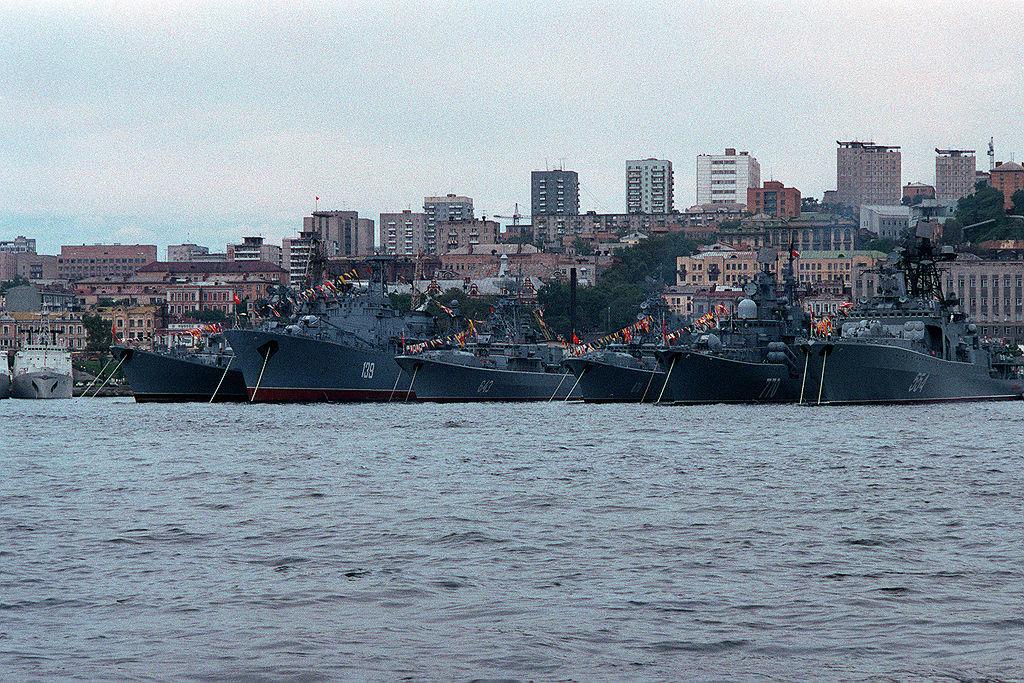 القوة البحرية الروسية تحديث الأسلحة والقواعد وتعزيز الانتشار 1024px-Soviet_Pacific_Fleet_1990