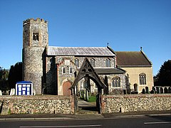 St Margaret's Church - geograph.org.uk - 677357.jpg