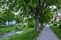 Steinlach mit Holzbrücke in Tübingen entlang der Fürststraße Blickrichtung Norden.jpg