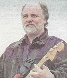 Photo of Steve Thompson with Stratocaster Guitar