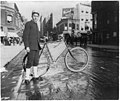 Street types of New York City- Messenger boy and bike LCCN2002699100.jpg