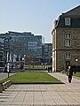 Stuttgart Kunstmuseum und Neues Schloss rechts.jpg
