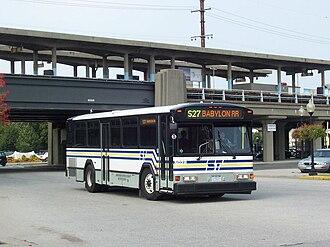 Suffolk County Transit - Image: Suffolk Transit Gillig Phantom 5028