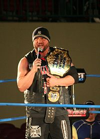Bully Ray mit dem TNA World Heavyweight Championship