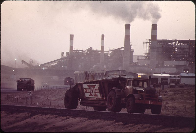 File:TRUCKS HAUL COAL FROM THE NAVAJO MINE TO THE FOUR CORNERS GENERATING PLANT - NARA - 544169.jpg