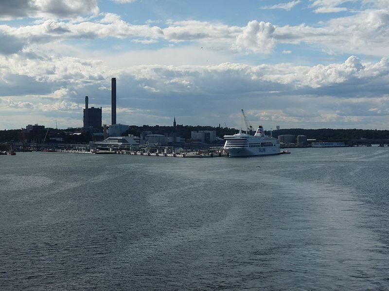 File:Tallink ship Stockholm 2016.jpg