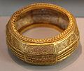 Tartus, braccialetto d'oro lavorato a traforo, 390 dc ca.JPG