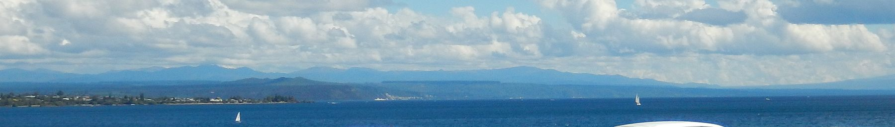 Lake Taupo from Ferry Road, near downtown Taupo