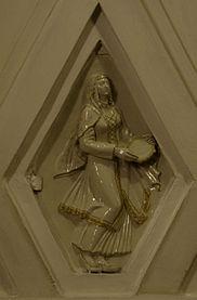 Teatralnaya porcelain sculpture 1.jpg