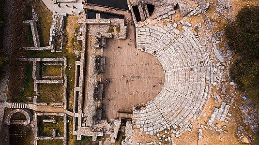 Teatri ne Butrint, Shqiperi.jpg