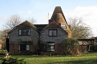 Bethersden - Image: The Oast, Lovelace Farm, Bethersden, Kent geograph.org.uk 1136933