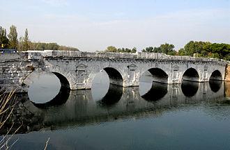 Marecchia - The Ponte d'Augusto crosses the Marecchia in Rimini