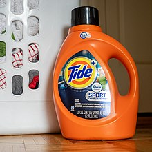 Tide Detergent - Tight (48089718446).jpg