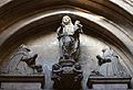 Timpà amb escultures de l'antiga església del convent de sant Doménec, València.JPG