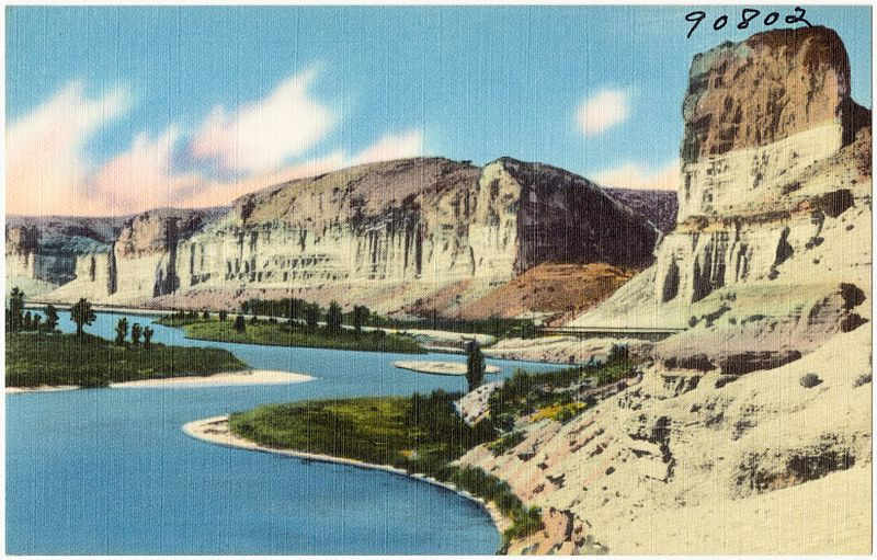 File:Toll Gate Rock and the Palisades, along Green River and Hwy. U.S. 30 (Lincoln Highway) in Wyoming near the town of Green River (90802).jpg