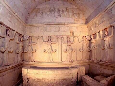 Tomb sveshtari2-1-