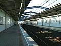 Toyo-kosoku-Murakami-station-platform.jpg