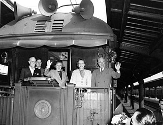 Whistle stop train tour - Image: Truman with wife and daughter