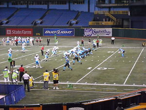 2009 UFL season - The Florida Tuskers (right) against the Las Vegas Locomotives (left) at Tropicana Field on October 30