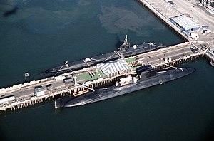 USS Nathanael Greene (SSBN-636) - Image: USS Nathanael Green SSBN 636 and USS Baltimore SSN 704