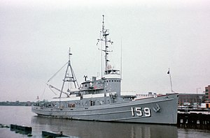 USS Paiute (ATF-159) - Paiute at Washington Naval Yard, 1981. Note the removal of the fore 76mm gun.