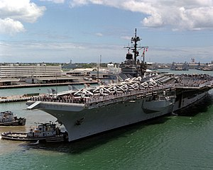 USS Tuskegee (YTB-806) assists USS Ranger (CV-61) at Pearl Harbor on 1 June 1991.jpg