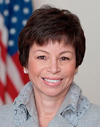 Valerie Jarrett - Image: Valerie Jarrett official portrait small