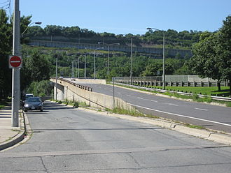 Victoria Avenue (Hamilton, Ontario) - Victoria Avenue, mountain-access ramp