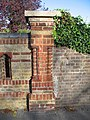 Victorian Brickwork, Station Road, Tring - geograph.org.uk - 1554770.jpg