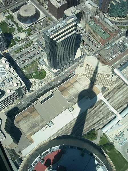 Fichier:View from cn tower skydeck.jpg
