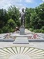 Viktor Hambardzumyan statue, Yerevan 03.jpg