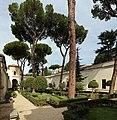 Villa giulia, giardino all'italiana con pini romani 03,0.jpg