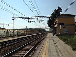 Villamaggiore train station.JPG