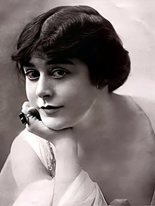 Description de l'image Virginiapearson1916.jpg.