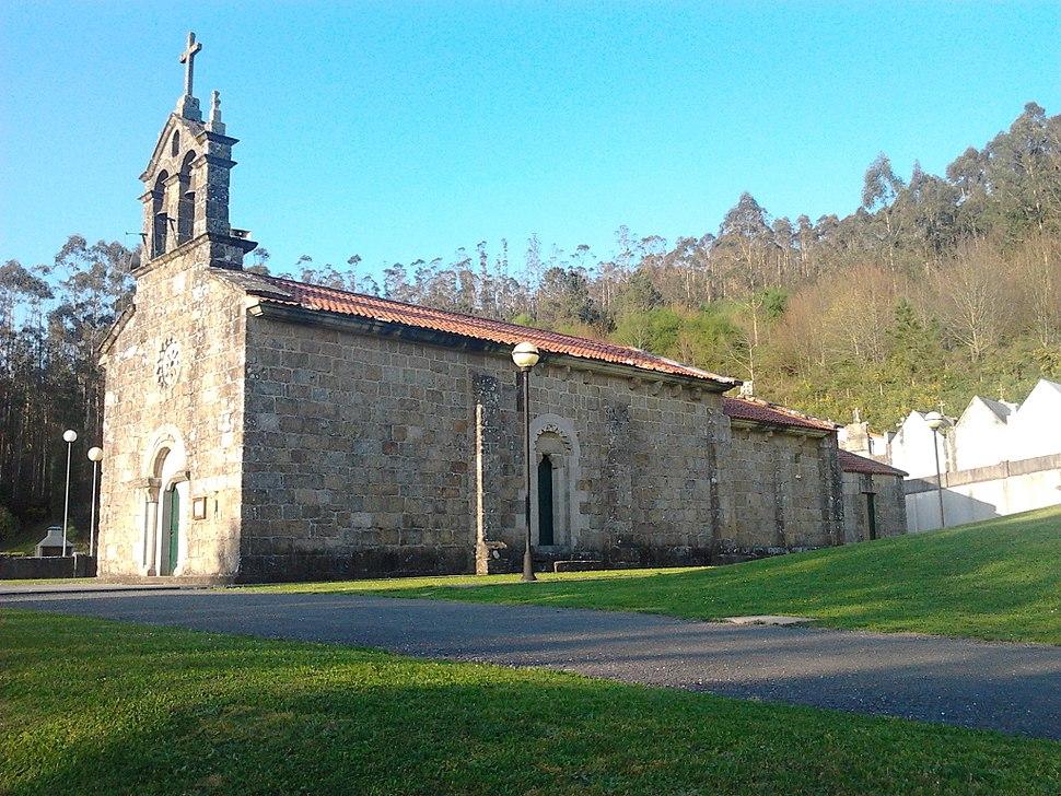 Vista-igrexa-san-roman-encrobas-cerceda
