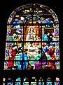 Vitrail de l'abside de l'église.jpg