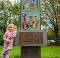 Vom Kiwanisclub Wien errichtete Säule im Wiener Stadtpark.jpg
