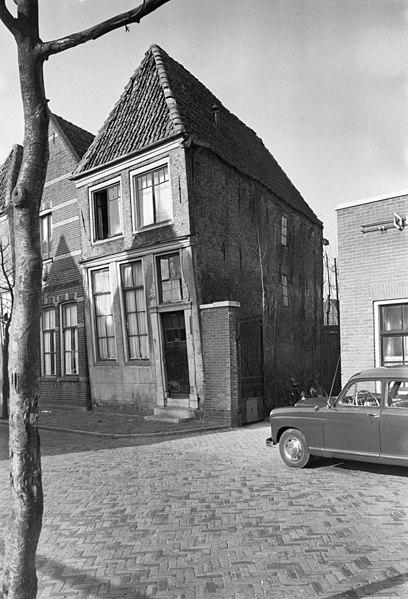 File:Voor- en zijgevel - Hoorn - 20116732 - RCE.jpg