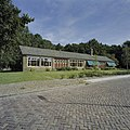 Voorzijde van de openbare lagere school - Tollebeek - 20409910 - RCE.jpg