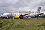 Vueling A320-214 EC-KDH (31568423695).jpg