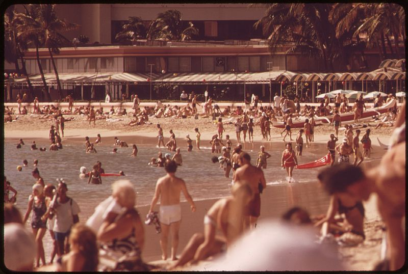 File:WAIKIKI BEACH IS THE MOST POPULAR TOURIST SPOT ON THE ISLAND THERE ARE 26,000 HOTEL ROOMS ON OAHU. MOST OF THEM ARE... - NARA - 553686.jpg