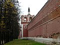 Walls and towers of Donskoy Monastery 11.jpg