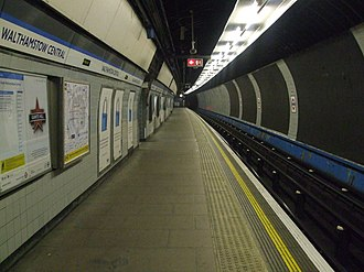 Walthamstow Central station - Image: Walthamstow Central stn Victoria line look south
