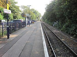 Wargrave-railway-station-geograph-4190769-by-Nigel-Thompson.jpg