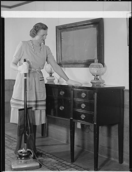 File:Washington, D.C. Dusting mits with which dusting can be done with both hands develops speed and efficiency. Dusting... - NARA - 513403.tif