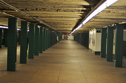 The long and wide mezzanine in the West Fourth Street station in Greenwich Village. West 4 St mezzanine vc.jpg
