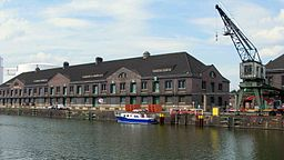 Westhafen  ThoKay [CC BY-SA 3.0 (http://creativecommons.org/licenses/by-sa/3.0/)], via Wikimedia Commons