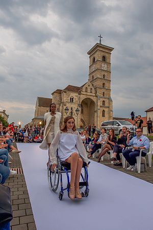Feeric Fashion Week - Wheelchair model from Atipic Beauty, in Feeric Fashion Week